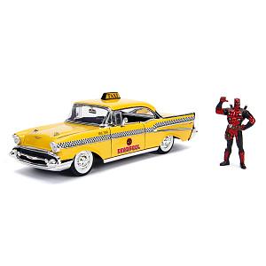 Машина с фигуркой Hollywood Rides – 1957 Chevy Bel Air-Hard Top W/Deadpool Figure (масштаб 1:24) (30290)