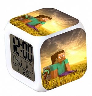 Часы настольные пиксельные с подсветкой Steve
