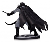Фигурка Batman Black & White Statue By Dave Johnson 17 см